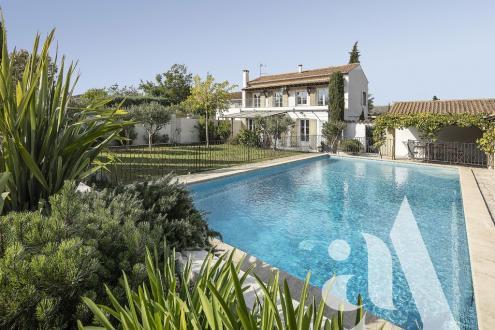 Maison de luxe à vendre SAINT REMY DE PROVENCE, 270 m², 5 Chambres, 1199000€