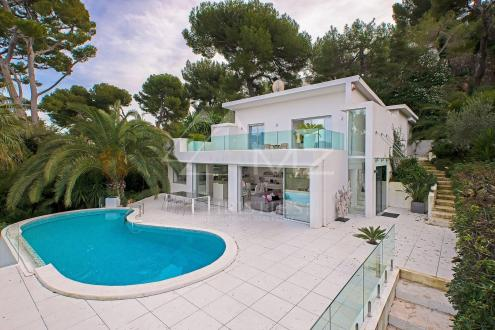 Maison de luxe à louer CAP D'ANTIBES, 140 m², 4 Chambres,
