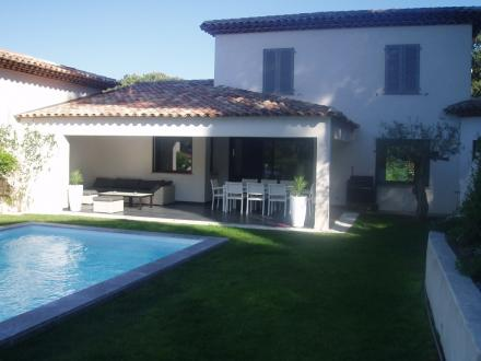 Maison de luxe à louer SAINTE MAXIME, 125 m², 3 Chambres,