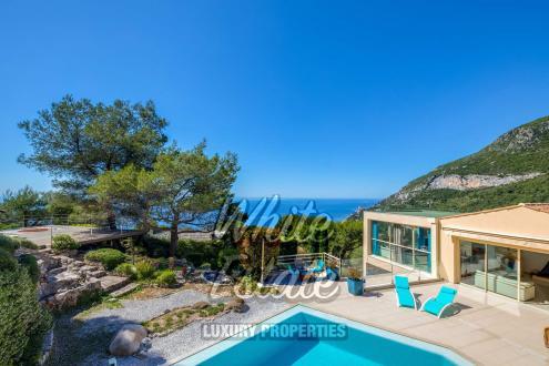 Maison de luxe à vendre ROQUEBRUNE CAP MARTIN, 478 m², 4 Chambres, 3650000€