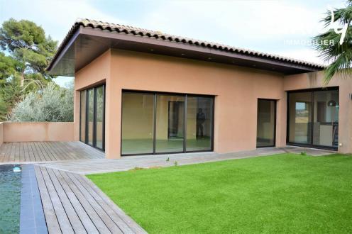 Maison de luxe à vendre SANARY SUR MER, 145 m², 3 Chambres, 910000€