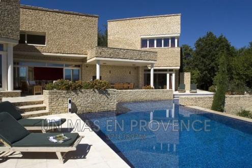 Maison de luxe à louer SAINT PANTALEON, 300 m², 5 Chambres,