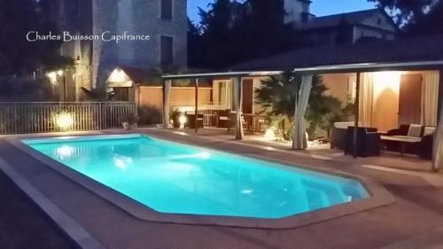 Propriété de luxe à vendre LES MEES, 350 m², 5 Chambres, 672000€
