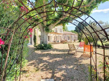 Luxus-Haus zu verkaufen L'ISLE SUR LA SORGUE, 330 m², 6 Schlafzimmer, 1290000€