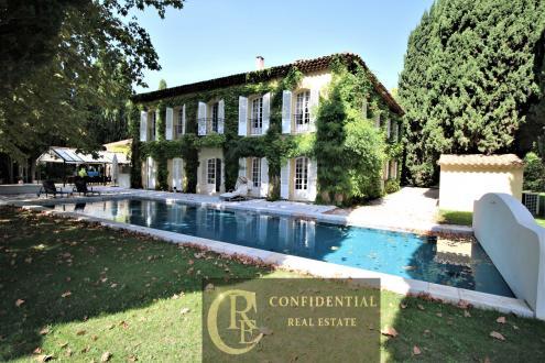 Luxury Villa for sale SAINT CYR SUR MER, 500 m², 6 Bedrooms, €2190000