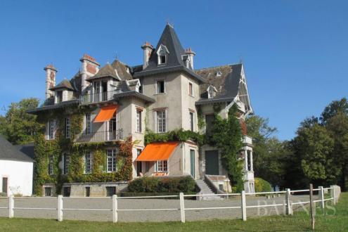 Château / Manoir de luxe à vendre PAU, 1000 m², 14 Chambres, 4500000€