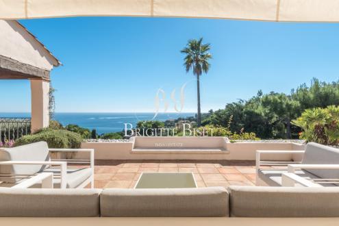 Villa de luxe à vendre LES ISSAMBRES, 300 m², 4 Chambres, 1690000€