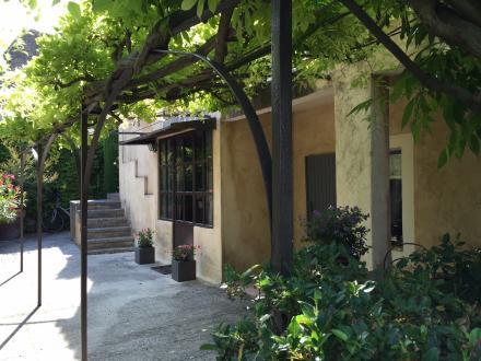 Maison de luxe à vendre MENERBES, 210 m², 3 Chambres, 735000€