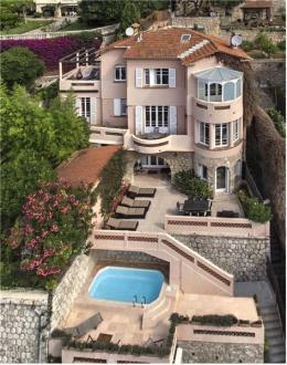Maison de luxe à louer VILLEFRANCHE SUR MER, 275 m², 4 Chambres,