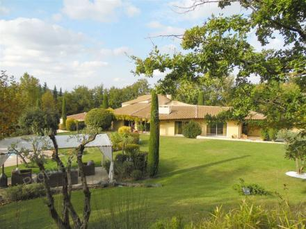 Casa di lusso in vendita AIX EN PROVENCE, 450 m², 6 Camere, 2770000€