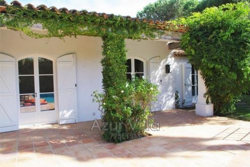 Maison de luxe à louer SAINT TROPEZ, 180 m², 4 Chambres,