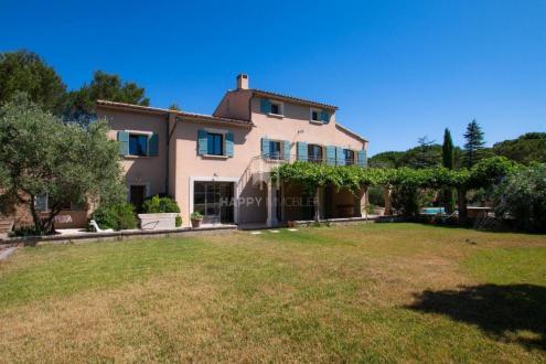 Villa de luxe à vendre EYGALIERES, 240 m², 5 Chambres, 1293000€