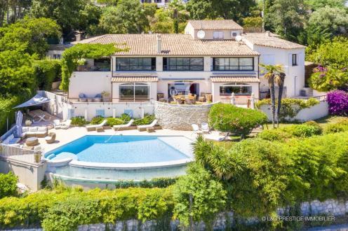 Luxus-Villa zu verkaufen MANDELIEU LA NAPOULE, 300 m², 8 Schlafzimmer, 1750000€