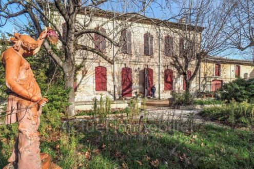 Luxus-Haus zu verkaufen EYRAGUES, 400 m², 6 Schlafzimmer, 892000€