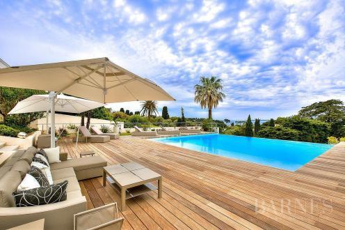 Maison de luxe à louer ANTIBES, 423 m², 6 Chambres,