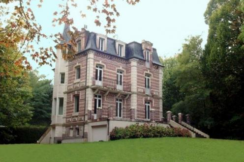 Luxus-Villa zu verkaufen AUBERVILLE, 272 m², 8 Schlafzimmer, 1197000€
