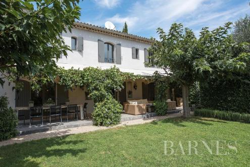 Villa di lusso in vendita MOUGINS, 275 m², 5 Camere, 2190000€