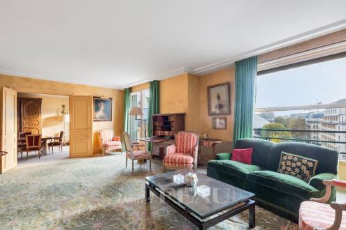 Квартира класса люкс на продажу  Париж 8ой, 182 м², 3 Спальни, 2390000€