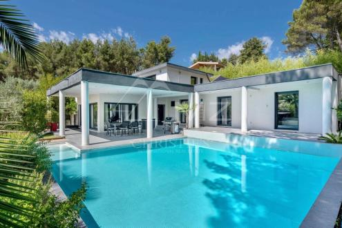 Дом класса люкс на продажу  Экс-Ан-Прованс, 213 м², 4 Спальни, 1050000€