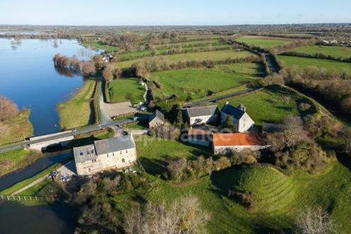 Maison de luxe à vendre SAINTE MERE EGLISE, 330 m², 6 Chambres, 595000€