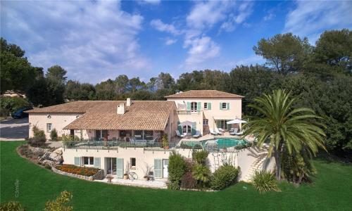 Luxury Villa for sale VALBONNE, 5215 m², 6 Bedrooms, €2800000