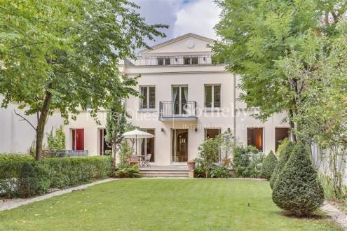 Hôtel particulier de luxe à vendre NEUILLY SUR SEINE, 530 m², 5 Chambres, 9850000€
