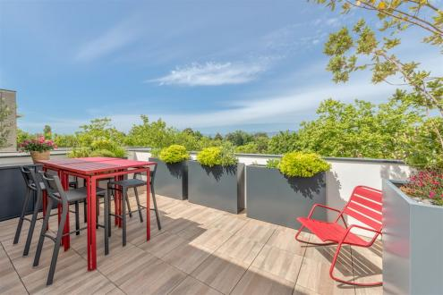 Appartement de luxe à vendre CHARBONNIERES LES BAINS, 90 m², 1 Chambres, 580000€