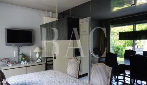 Вилла класса люкс на продажу  Ла-Сель-Сен-Клу, 300 м², 3 Спальни, 2120000€