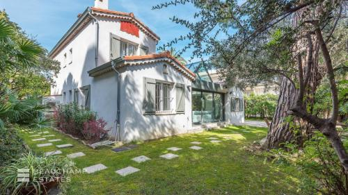 Luxury House for rent CANNES, 170 m², 6 Bedrooms,