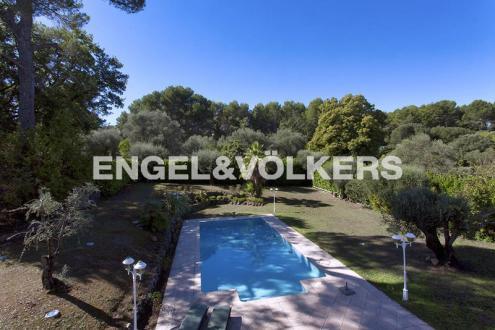 Villa de luxe à vendre VALBONNE, 292 m², 5 Chambres, 1750000€