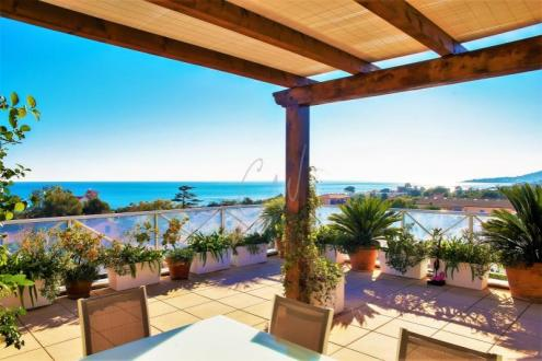 Appartement de luxe à vendre SAINT AYGULF, 168 m², 5 Chambres, 1095000€
