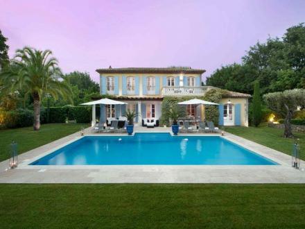Maison de luxe à louer SAINT TROPEZ, 400 m², 5 Chambres,