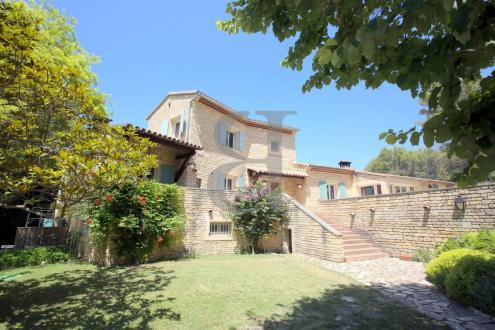 Casa di lusso in vendita L'ISLE SUR LA SORGUE, 430 m², 7 Camere, 1384000€