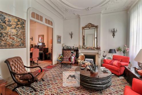Дом класса люкс на продажу  Бордо, 152 м², 3 Спальни, 828000€