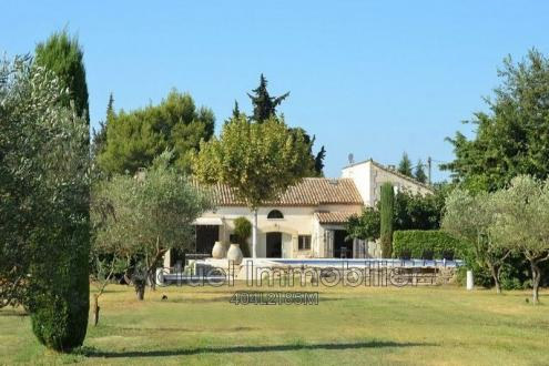 Luxury House for rent EYGALIERES, 360 m², 7 Bedrooms,