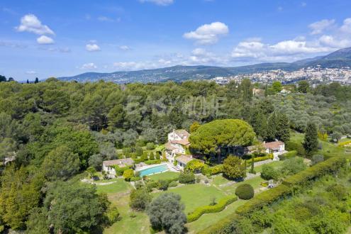 Villa de luxe à vendre GRASSE, 470 m², 8 Chambres, 2590000€