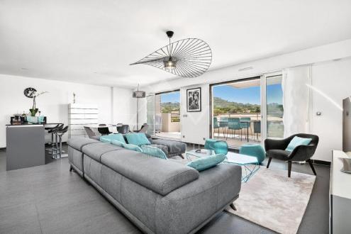 Appartement de luxe à louer SAINT TROPEZ, 122 m², 3 Chambres,