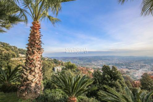 Luxury House for sale GRASSE, 230 m², 3 Bedrooms, € 1 990 000