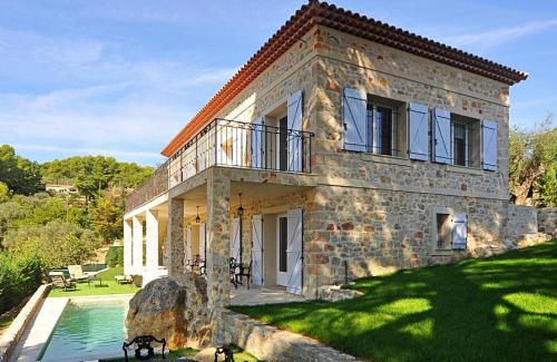 Luxury House for rent MOUGINS, 220 m², 4 Bedrooms,
