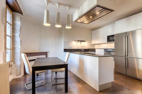 Квартира класса люкс на продажу  Аннеси, 183 м², 4 Спальни, 1190000€
