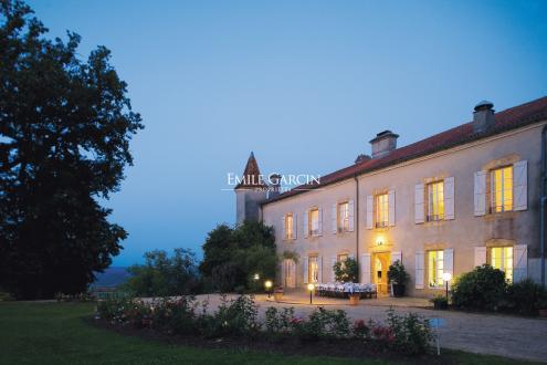 Château / Manoir de luxe à vendre AIRE SUR L'ADOUR, 850 m², 10 Chambres, 1590000€