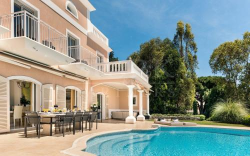 Maison de luxe à louer CAP D'AIL, 4000 m², 5 Chambres,