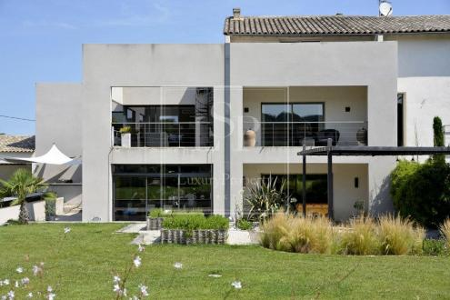Luxury House for rent SAINT REMY DE PROVENCE, 530 m²,