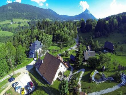 Chalet de luxe à vendre SAINT PIERRE DE CHARTREUSE, 390 m², 7 Chambres, 995000€