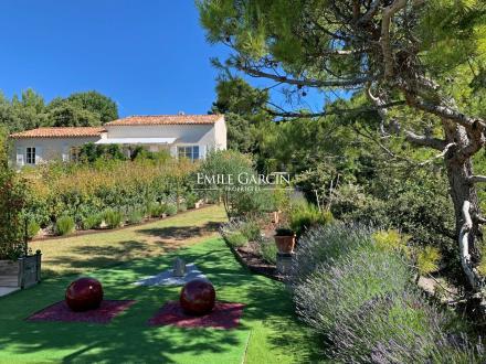 Casa di lusso in vendita CRILLON LE BRAVE, 200 m², 6 Camere, 850000€
