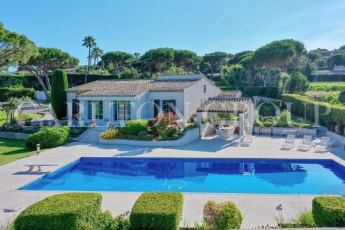 Maison de luxe à louer RAMATUELLE, 250 m², 5 Chambres,