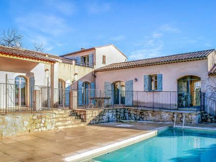 Villa de luxe à vendre SEILLANS, 300 m², 3 Chambres, 850000€