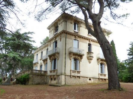 Luxus-Schloss / Herrenhaus zu verkaufen LUNEL, 700 m², 7 Schlafzimmer, 2680000€