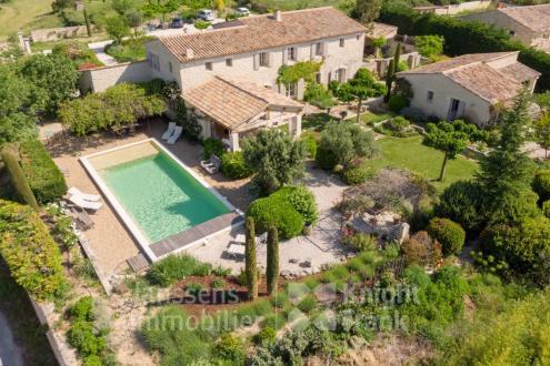 Villa di lusso in vendita GORDES, 370 m², 7 Camere, 1680000€