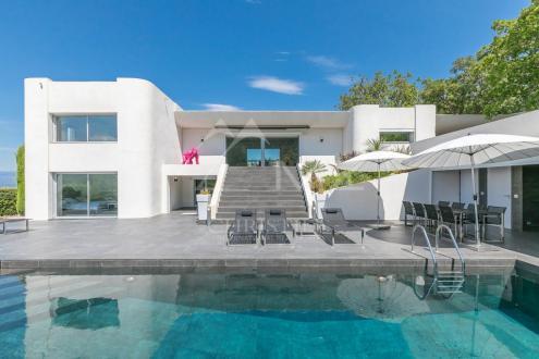 Дом класса люкс на продажу  Фрежюс, 300 м², 7 Спальни, 2800000€